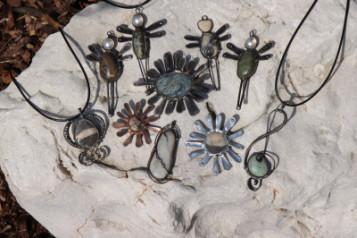 Cínované šperky - Lesní sklo