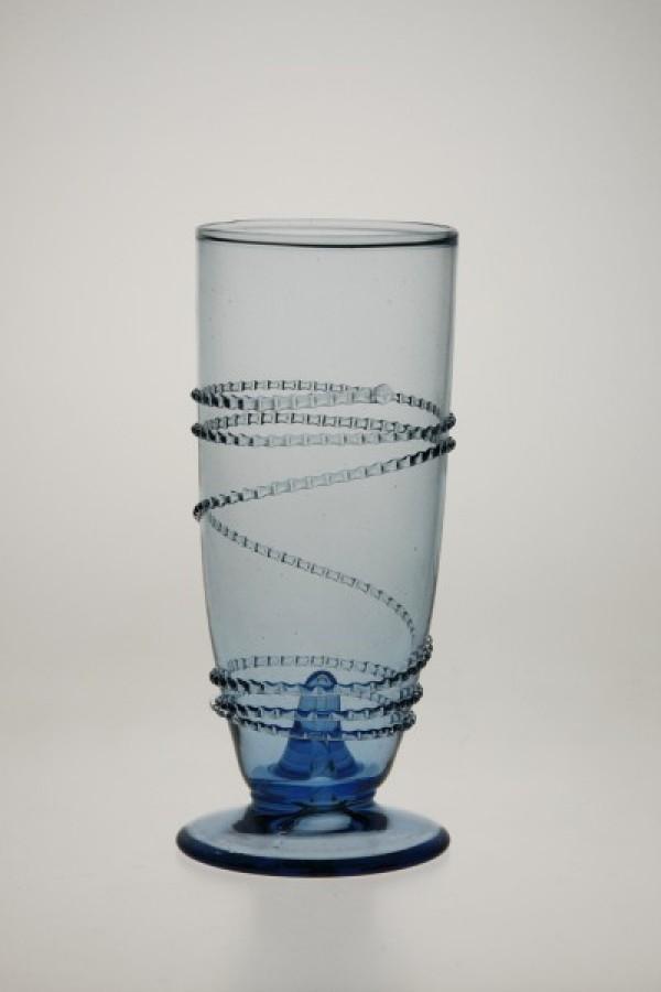 Číška ovinutá rádlovou spinou - Lesní sklo