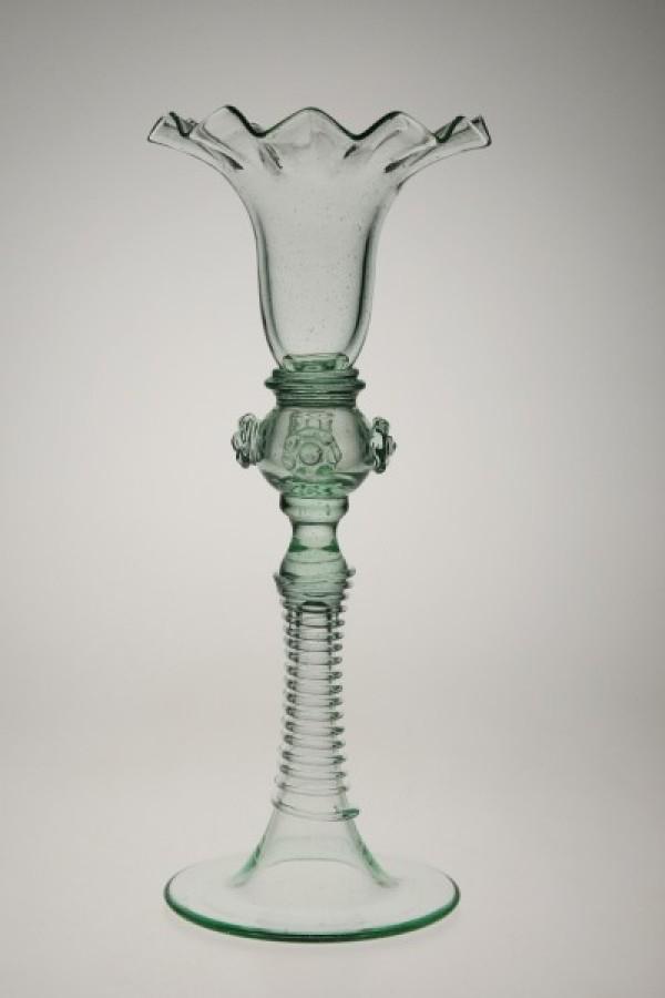 Svícen s mléčnou kuličkou - Lesní sklo