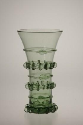 Gotický pohár se štípanou nití - Lesní sklo