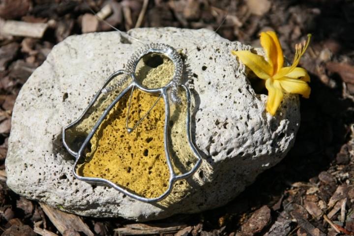 Andělka žlutá copatá - Lesní sklo
