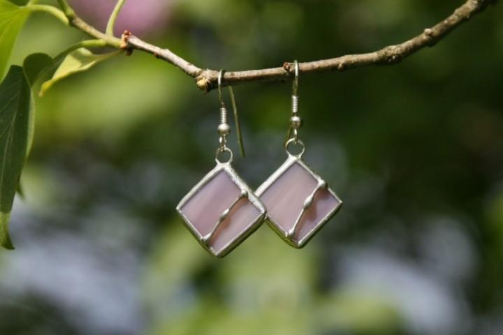 Náušnice fialové zdobené - Lesní sklo