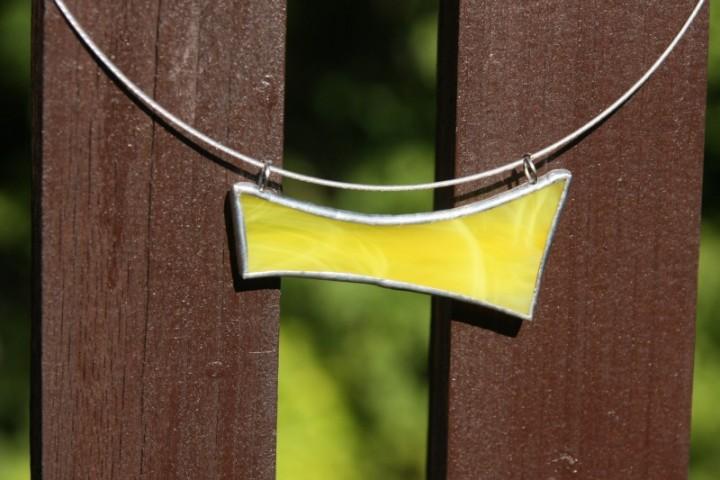 Náhrdelník sluníčkově žlutý - Lesní sklo