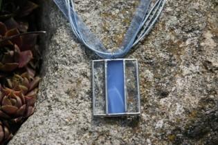 Noblesa sama modrá - Lesní sklo