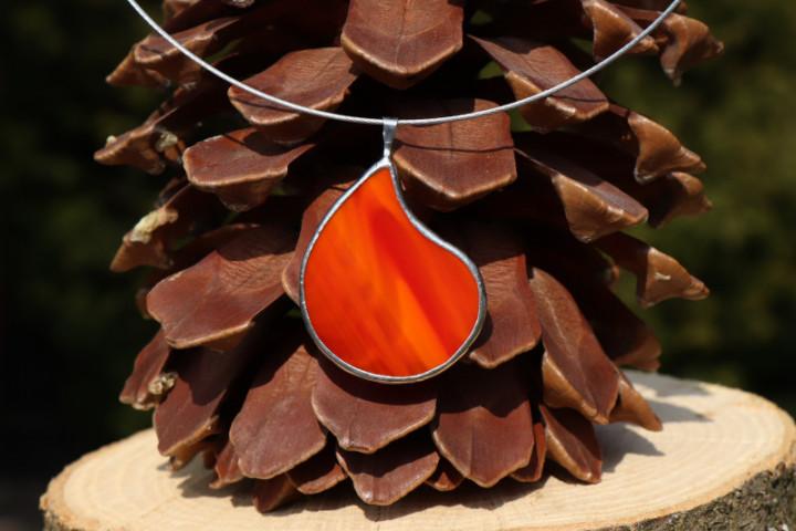 Šperk - kapka z ohně - Lesní sklo