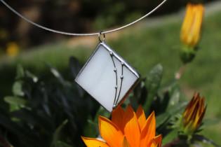 Šperk paní Zimy - Lesní sklo
