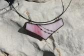 Náhrdelník velký růžový černě zdobený - Lesní sklo