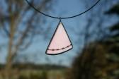 Růžový šperk černě zdobený - Lesní sklo
