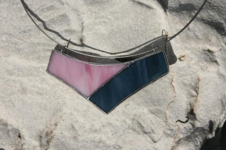 Náhrdelník modro-růžový - Lesní sklo