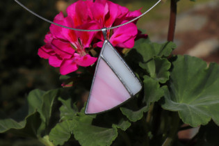 Bílo - růžový šperk - Lesní sklo