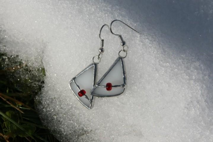 Náušnice bílé s korálkem - Lesní sklo