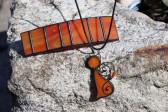 Spona oranžová s patinou - Lesní sklo