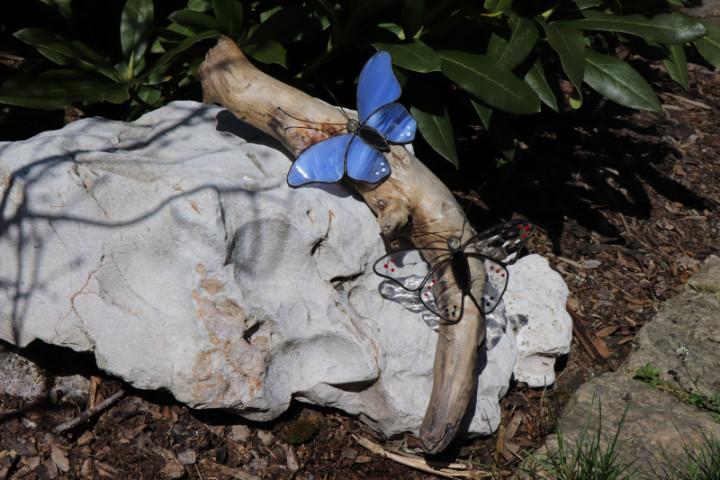Motýlci- dekorace na dřevě - Lesní sklo