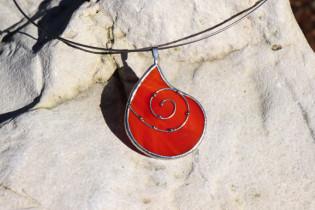 Šperk - kapka z ohně zdobená - Lesní sklo